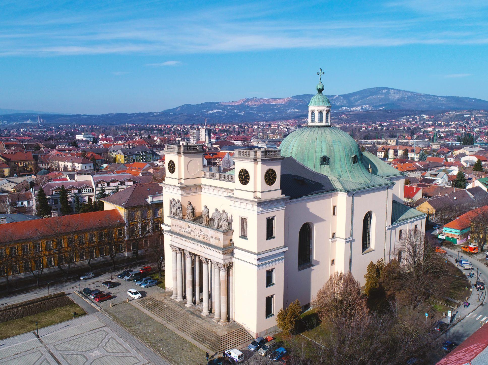 Vác, Bazilika